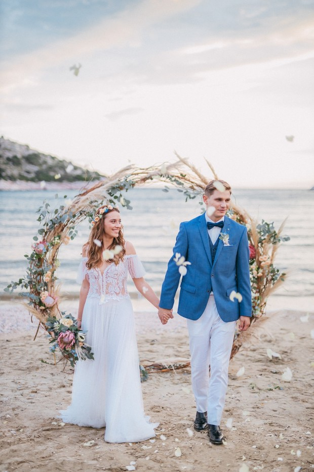 beach wedding ceremony in Greece