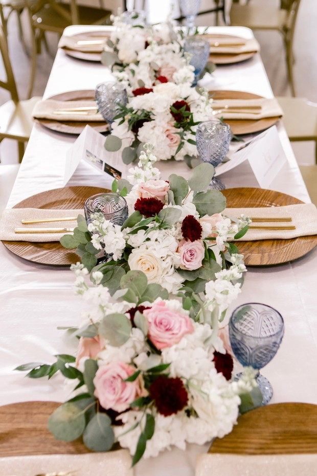 chic natural reception table