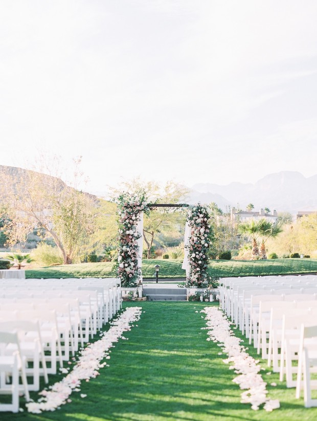 The Luckiest Couples Get Married at Red Rock Country Club In Vegas
