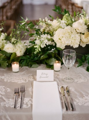 simple and chic wedding place setting