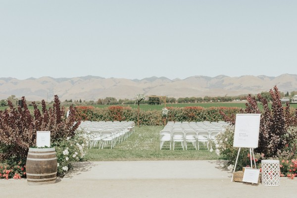 A Clean And Classic Farmhouse Wedding In California