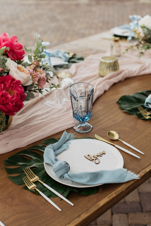 tropical wedding table decor