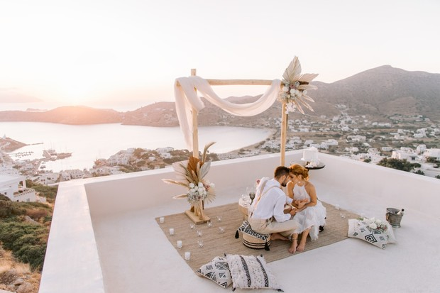 rooftop elopement in Iso Island