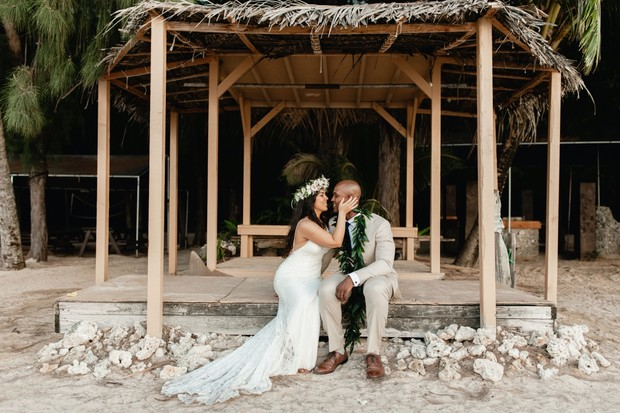 romantic Hawaiian wedding