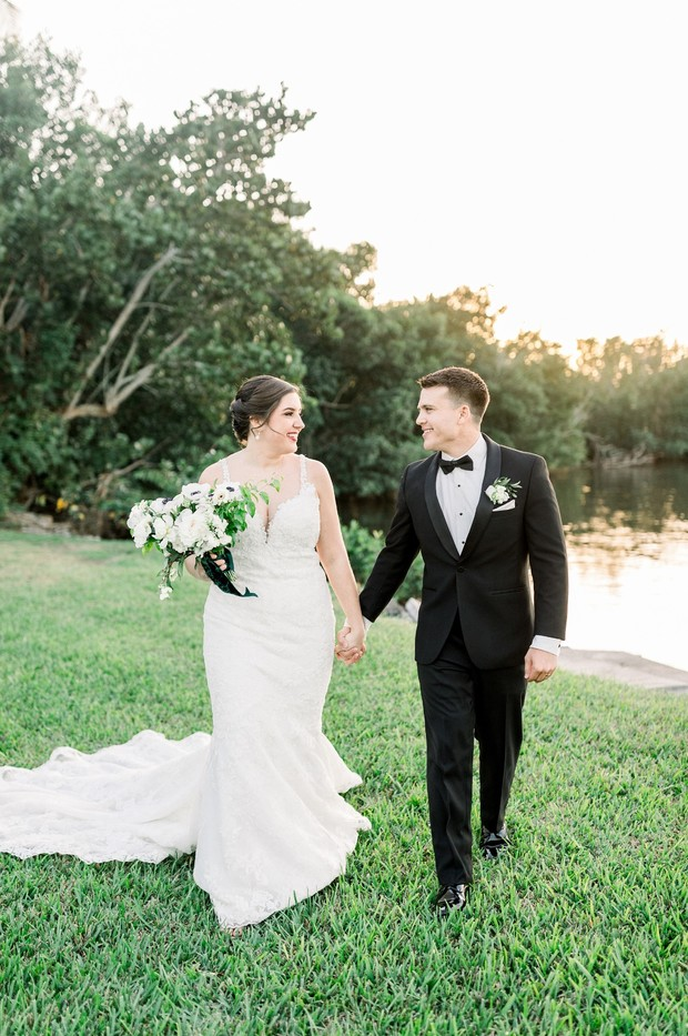 romantic green and white wedding in Florida