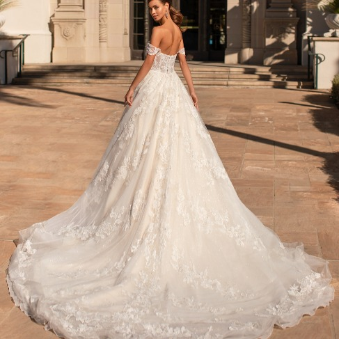 https://www.moonlightbridal.com/Collection/MoonlightCouture/
