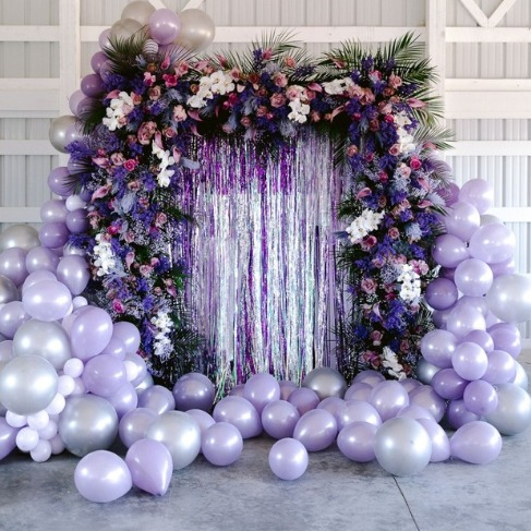 https://www.weddingchicks.com/blog/preview-of-how-to-diy-a-fiercesome-floral-balloon-arch-for-your-wedding-l-18216-l-45.html