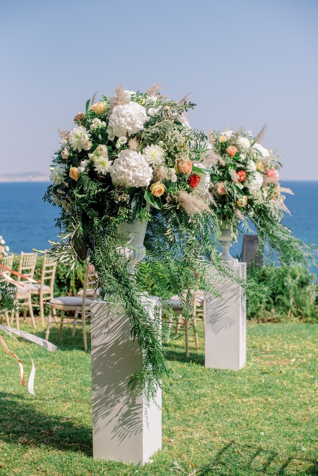floral arrangements for wedding ceremony entrance