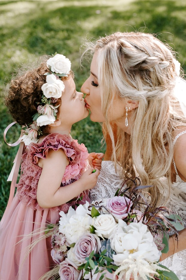 flower girl pose idea