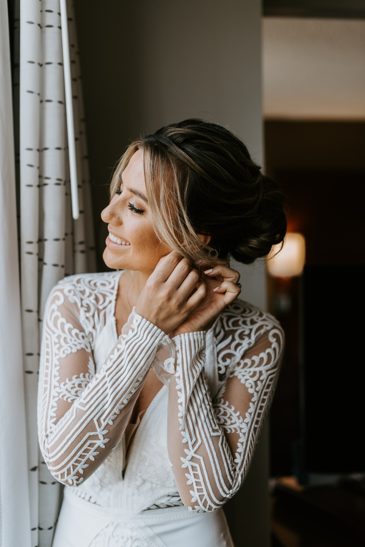 Photography ideas for bride getting ready