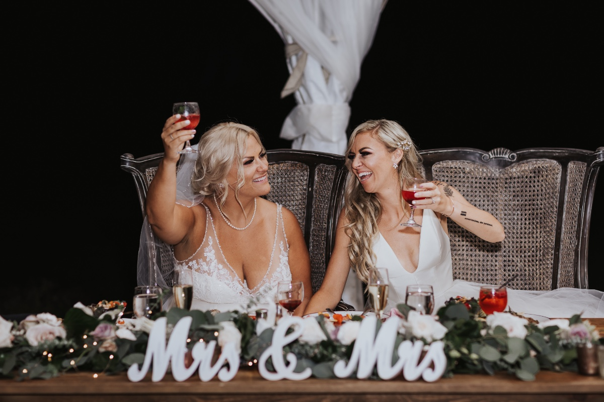 Mrs. & Mrs. table sign