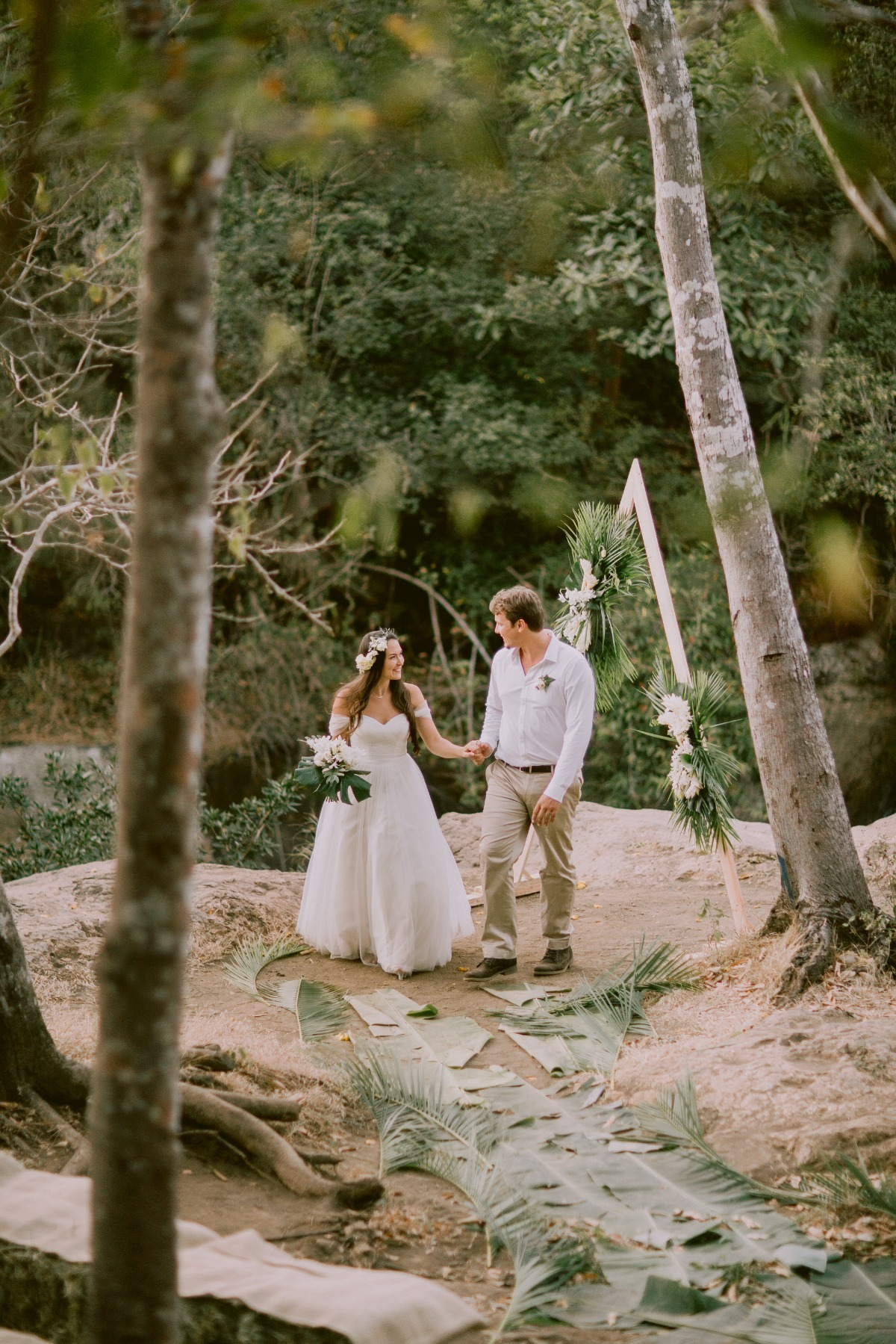 Bride and Groom at tropical Costa Rica wedding