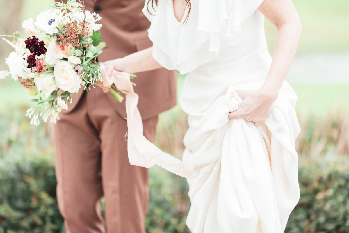 candid photographs ideas for bride and groom