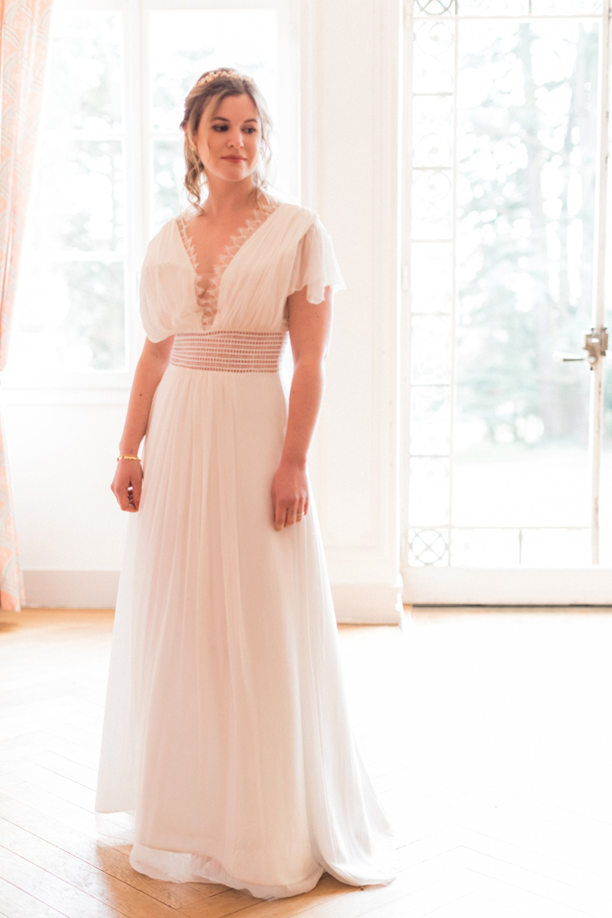 floor length wedding dress with flounce sleeves