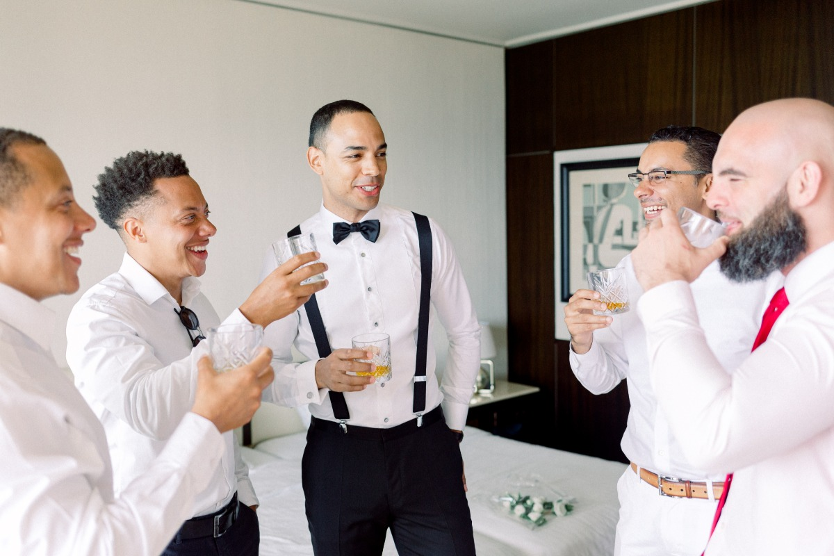Groom and his men photo ideas