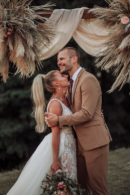 Bohemian Destination Wedding that is Overflowing with Pampas Grass