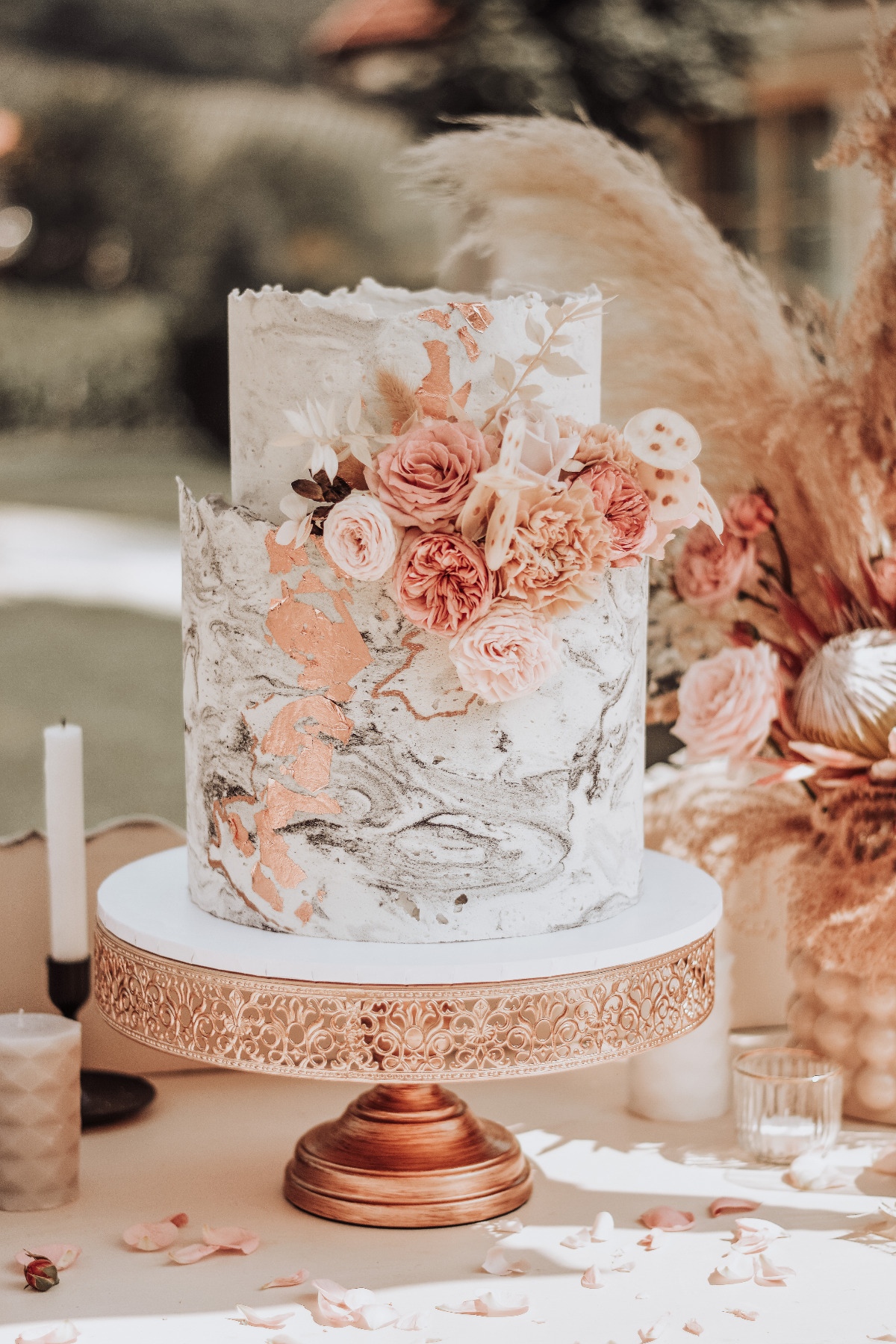 gold and gray wedding cake
