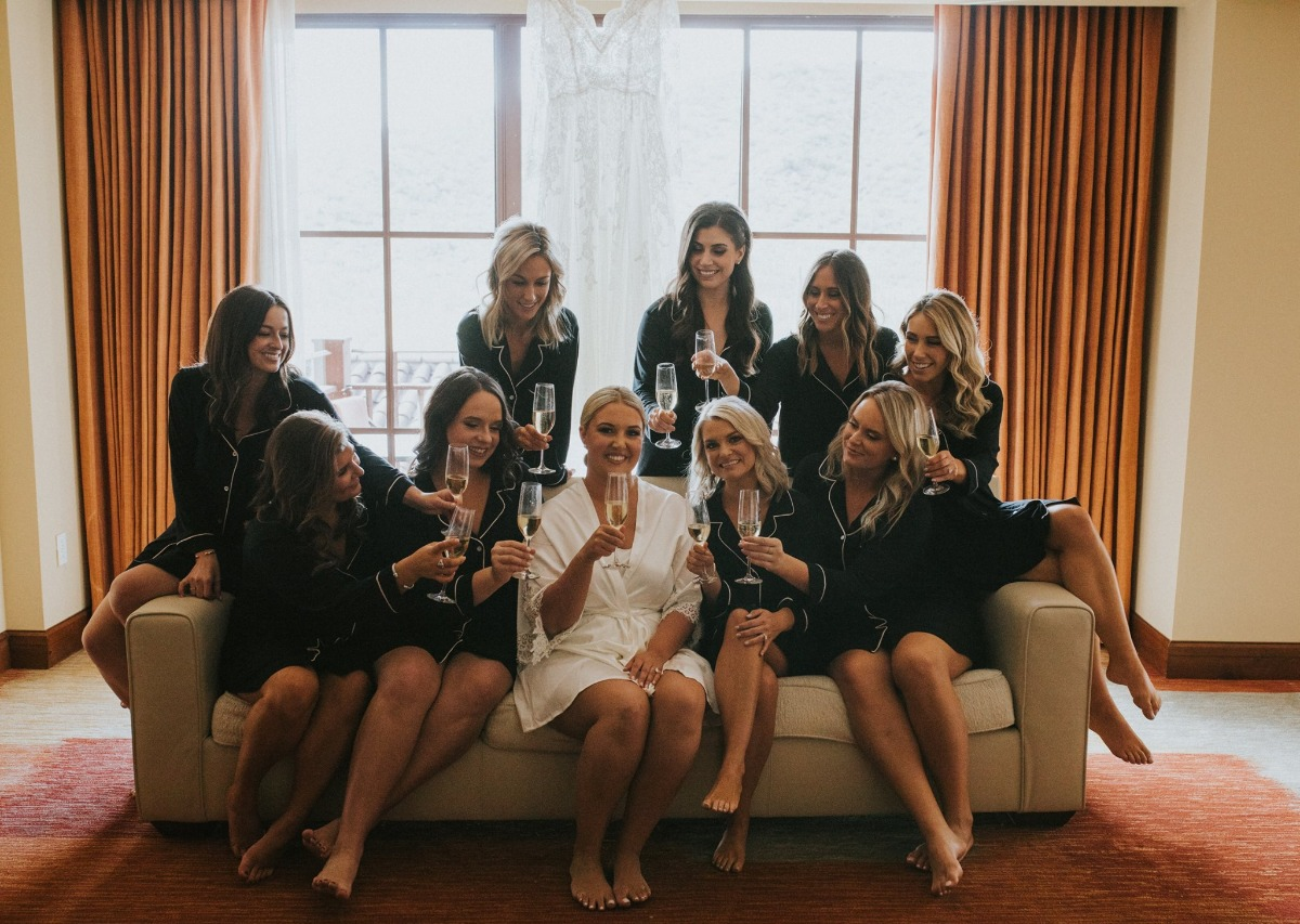 bridesmaids in matching pajamas photo ideas