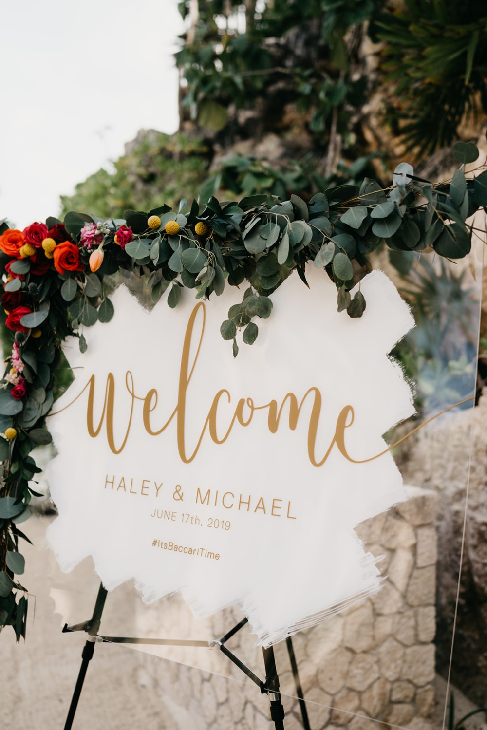 acrylic welcome wedding sign with gold letters