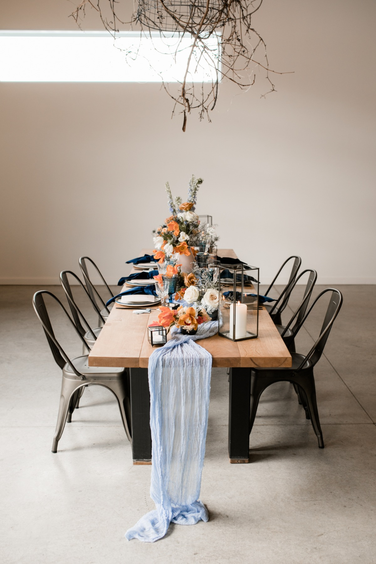 navy and terra cotta chic and modern wedding reception decor ideas