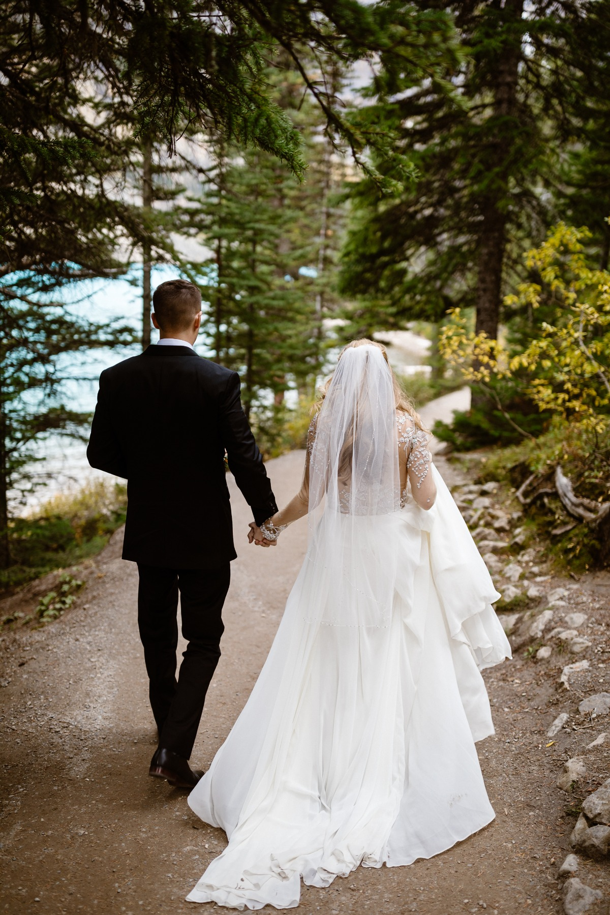 wedding portraits in front of Moraine Lake