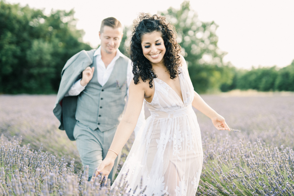 Provence Lavender field engagement photos by Jeremie Hkb