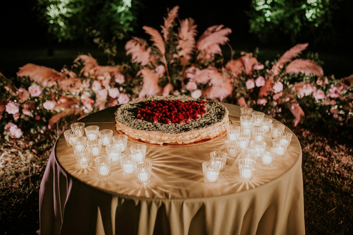 Millefoglie with berries for Wedding in Tuscany