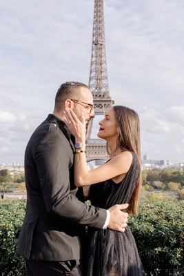 A Real Surprise Proposal In Front of the  Eiffel Tower