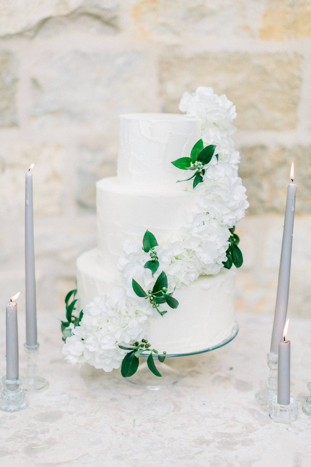 White and green wedding cake by Crush cakes