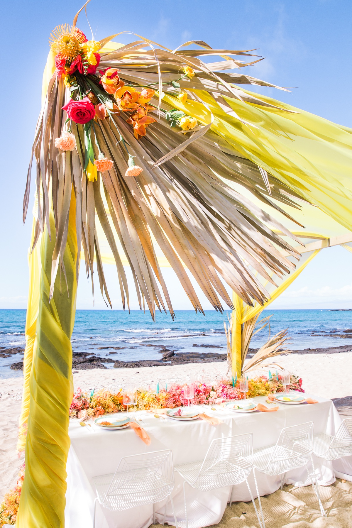 decorating a beach canopy
