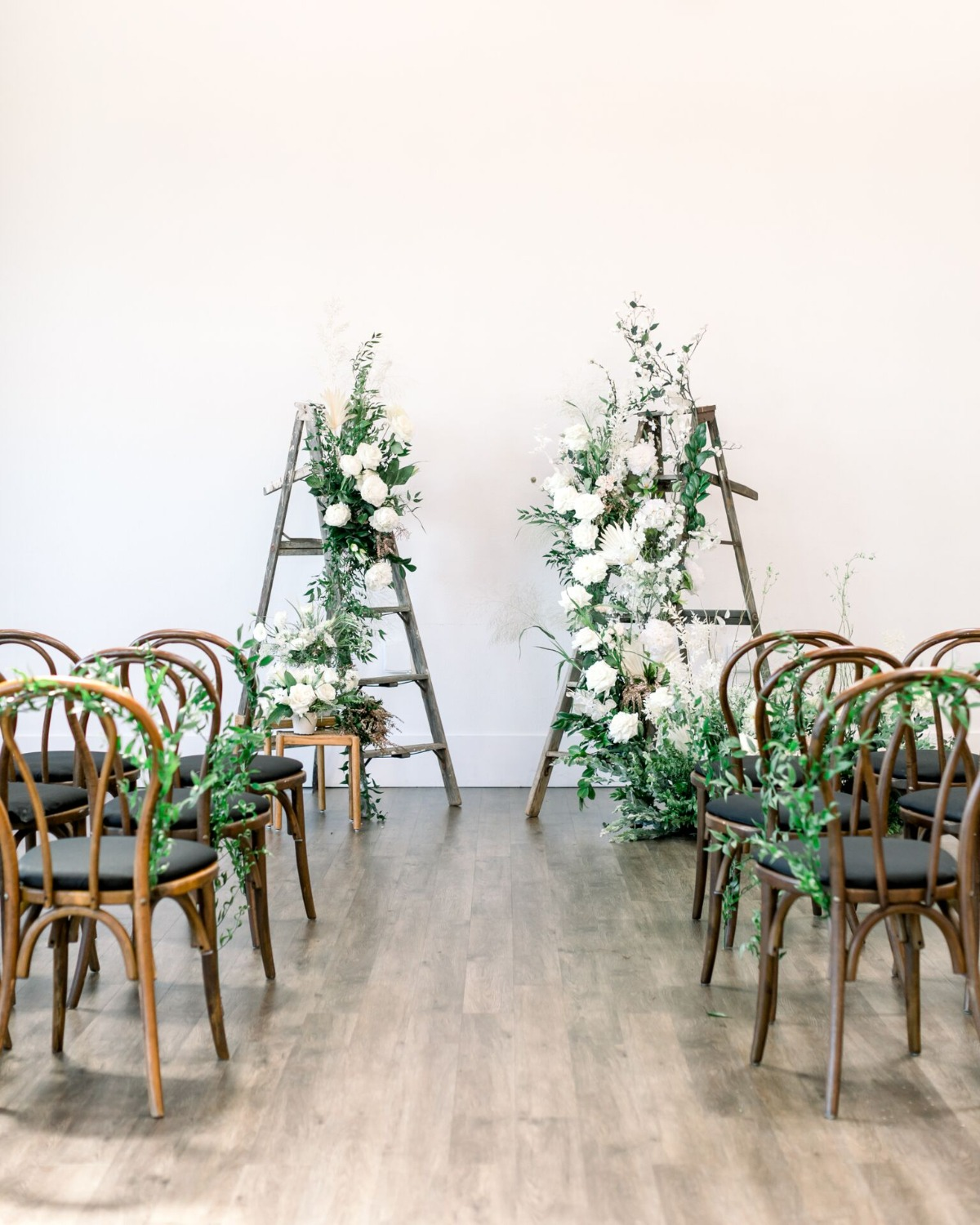 white and green wedding ceremony set up ideas
