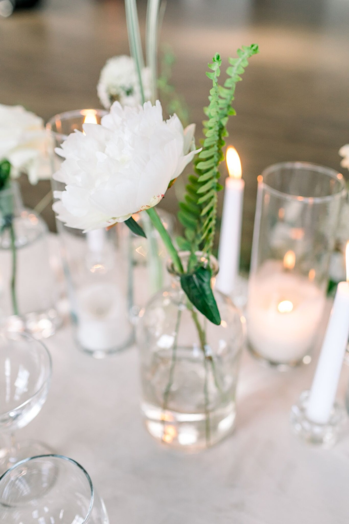 simple flower arrangements for weddings