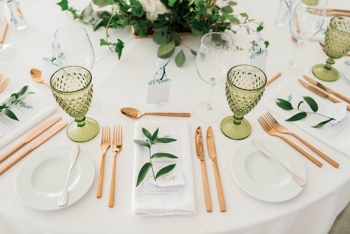 rose gold and ivy wedding table