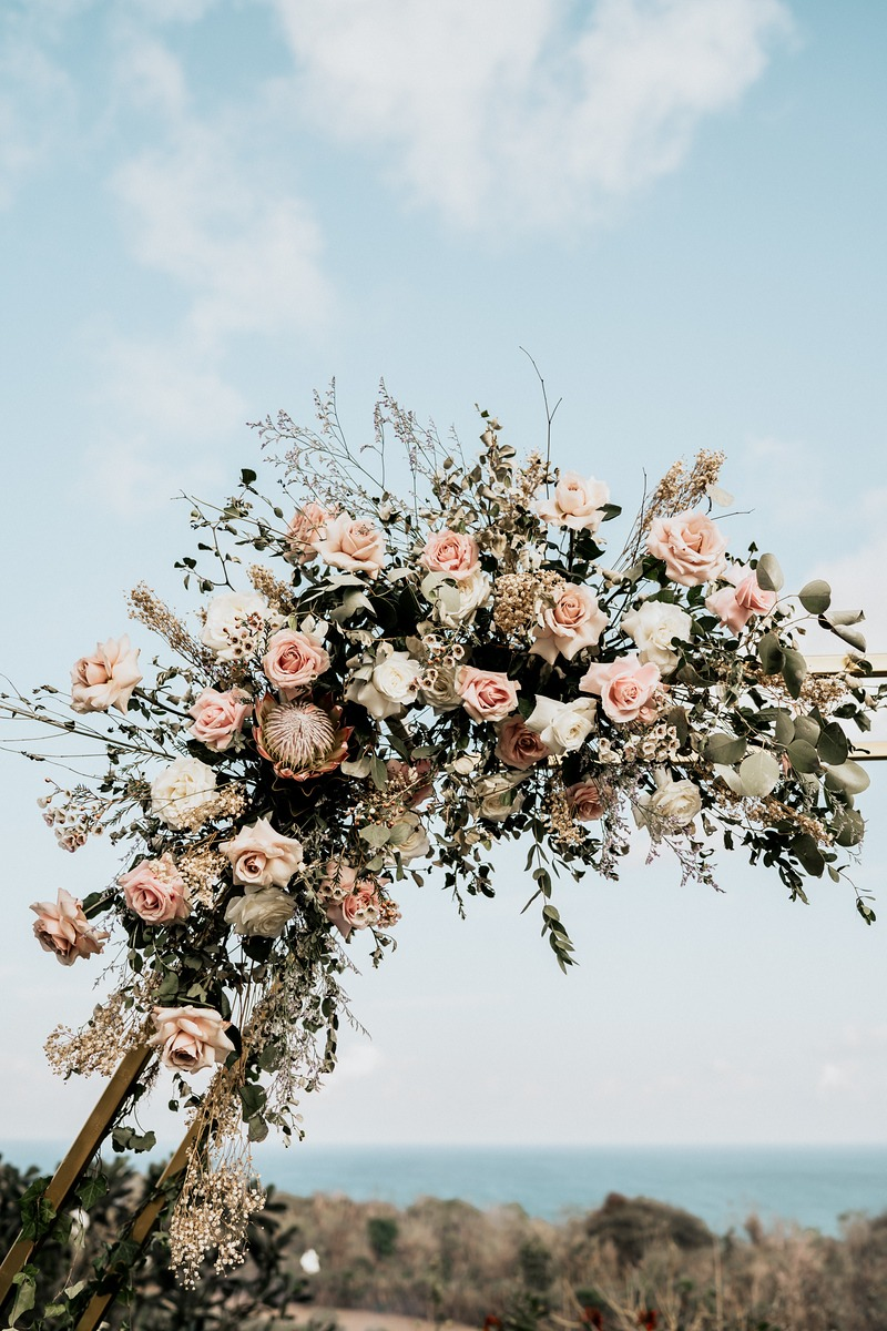 florals used in hexagon backdrop