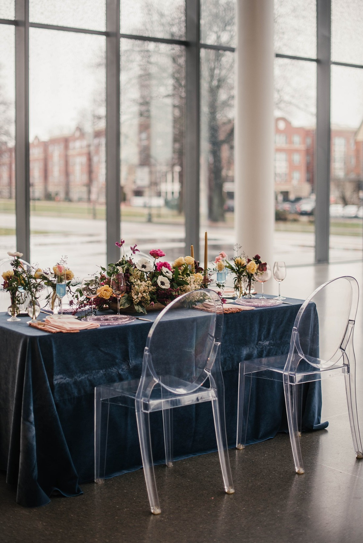 blue and pink wedding table decor ideas