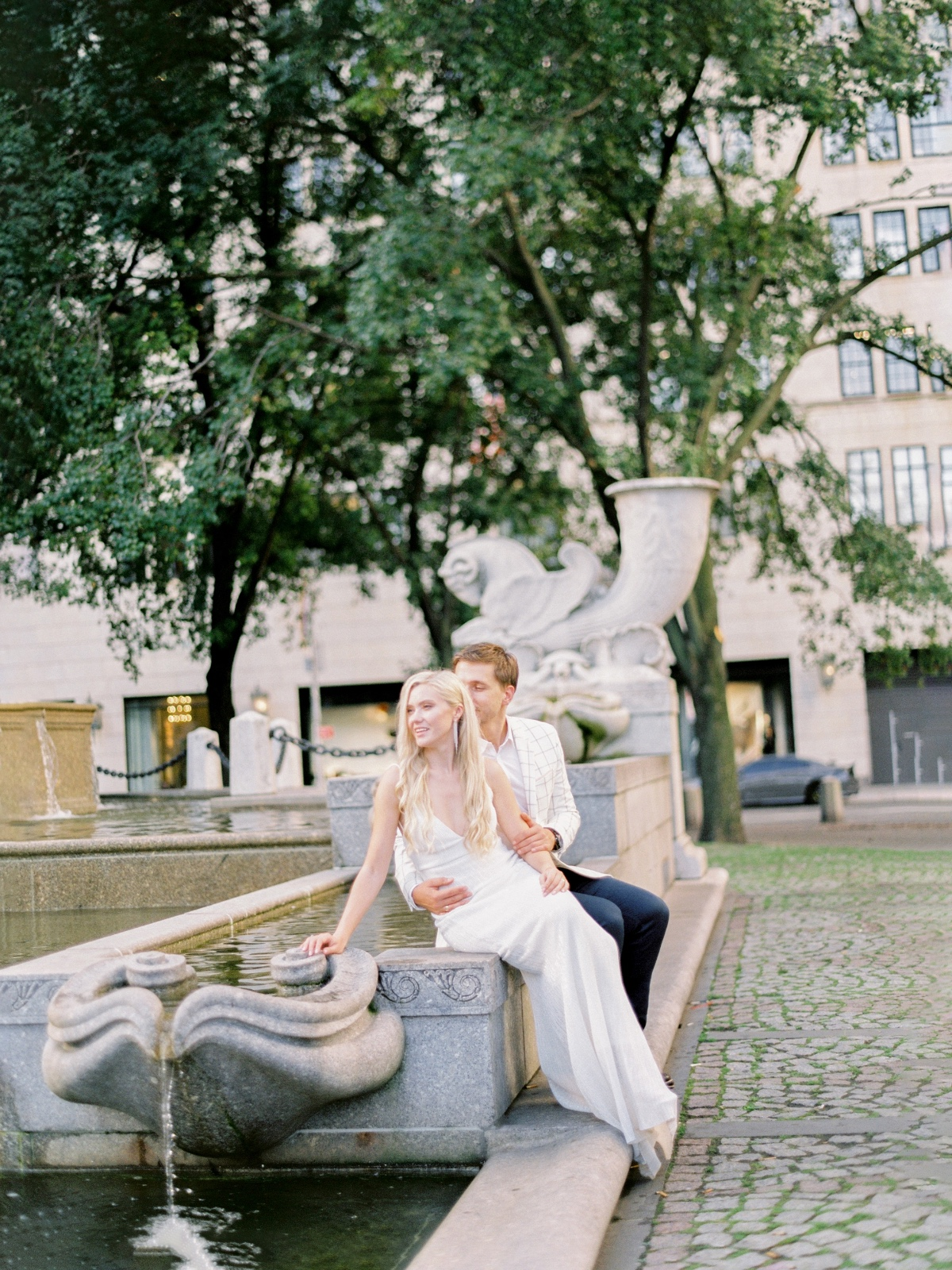 New York engagement session location ideas at Pulitzer Fountain