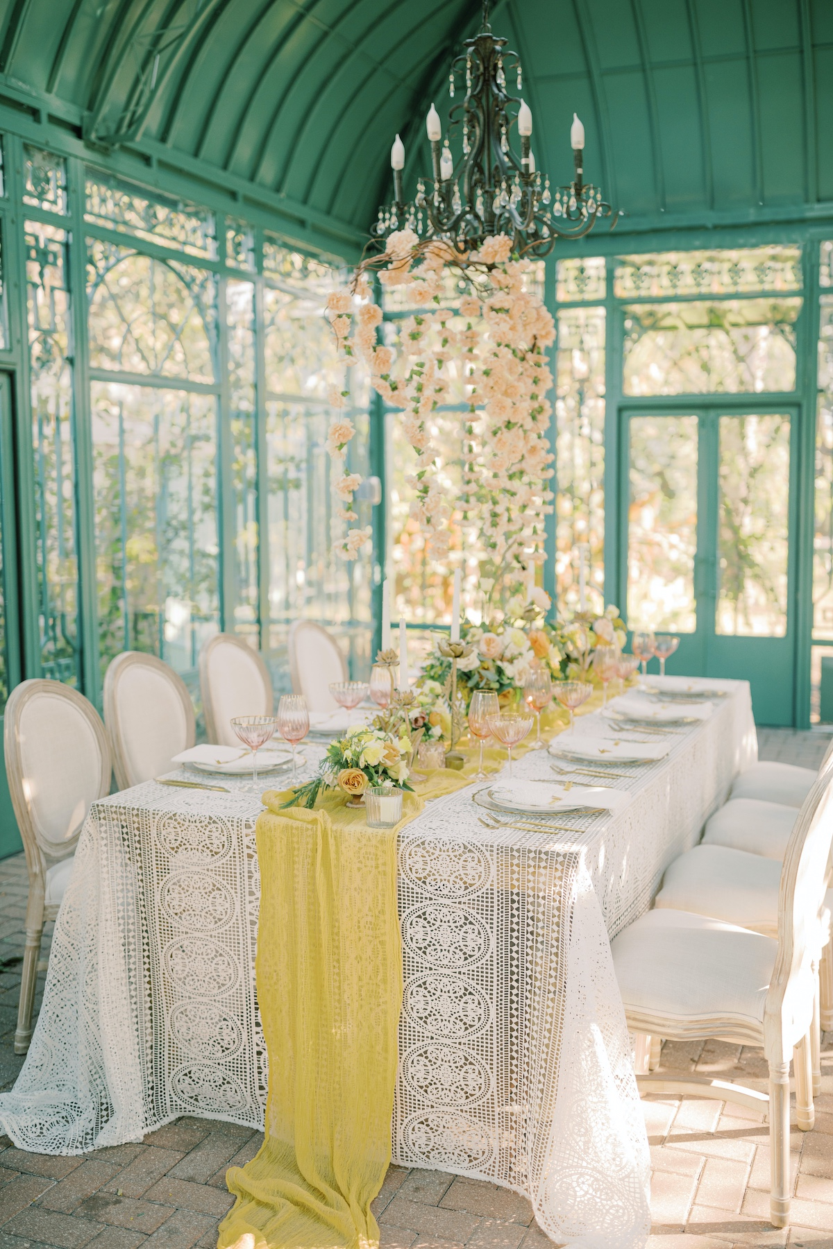 yellow, peach and white wedding decor ideas
