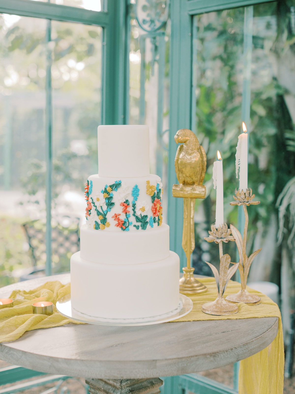 tropical inspired wedding cake