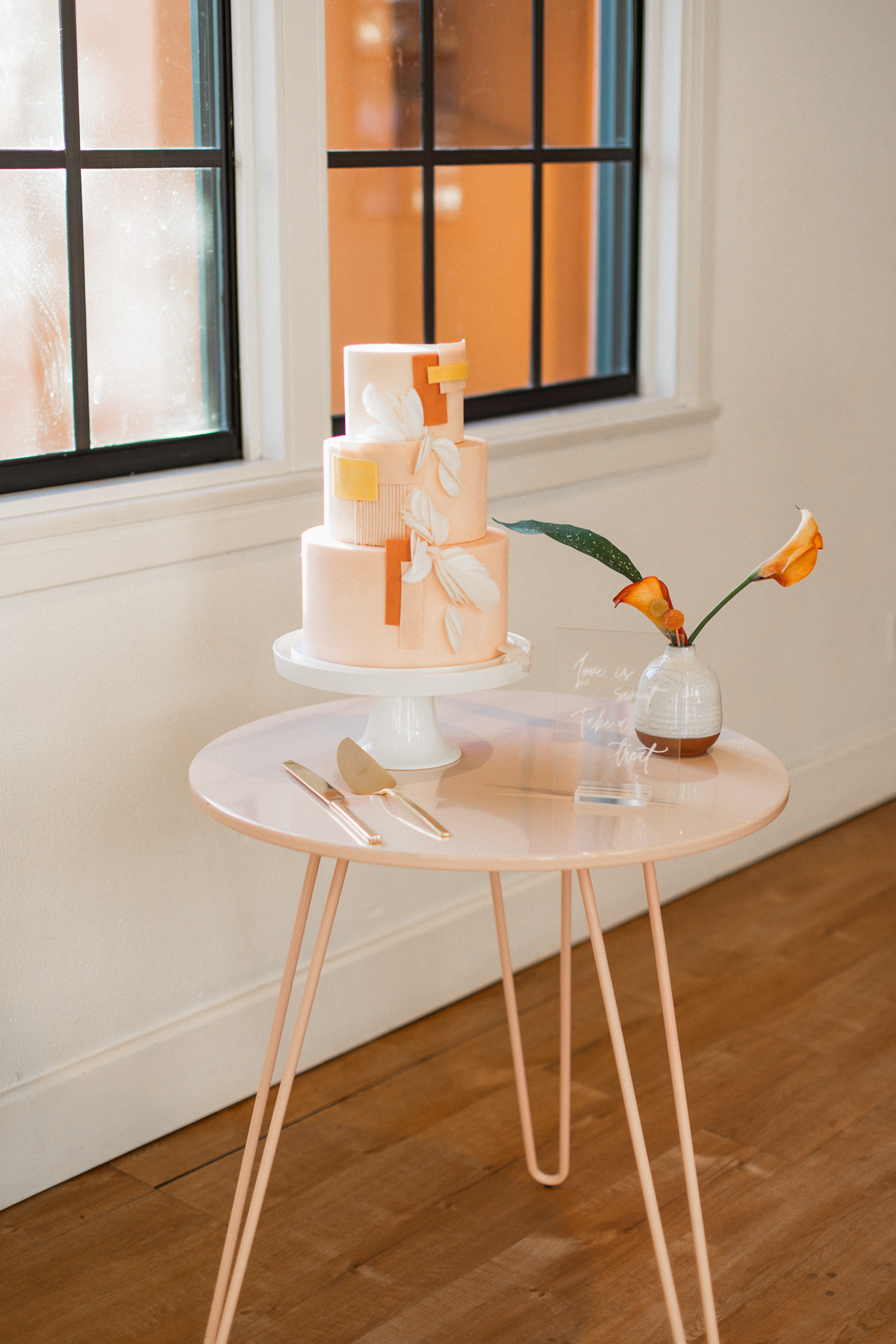 modern peach wedding cake by Peggy Liao Cake