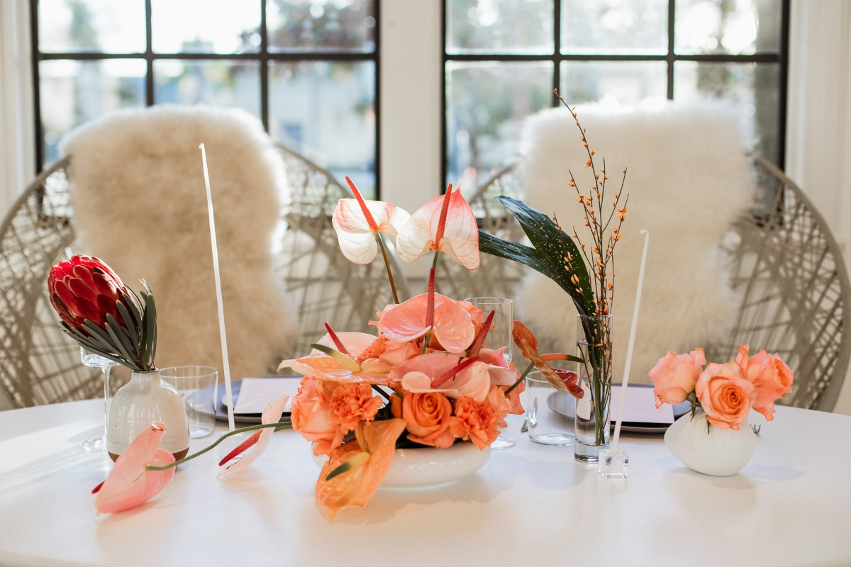 modern tropical wedding floral table decor