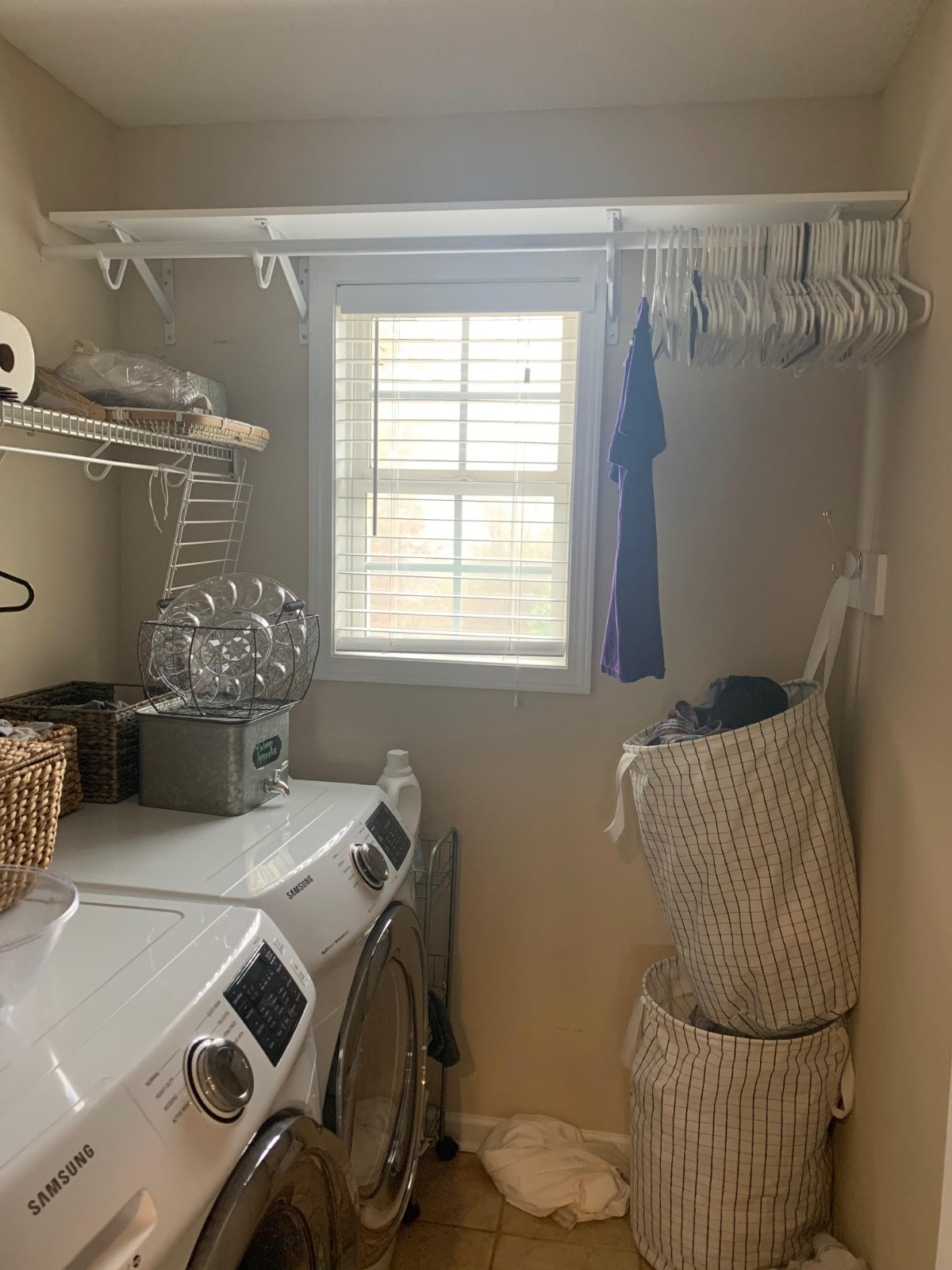 How to DIY a Farmhouse Laundry Room