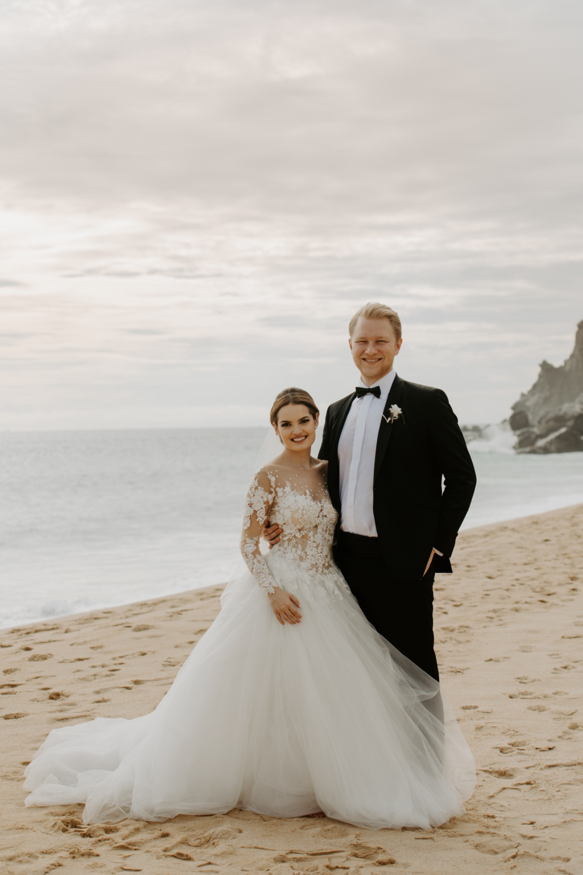 beach wedding at the Waldorf Astoria in Los Cabos photographed by A76 Photography