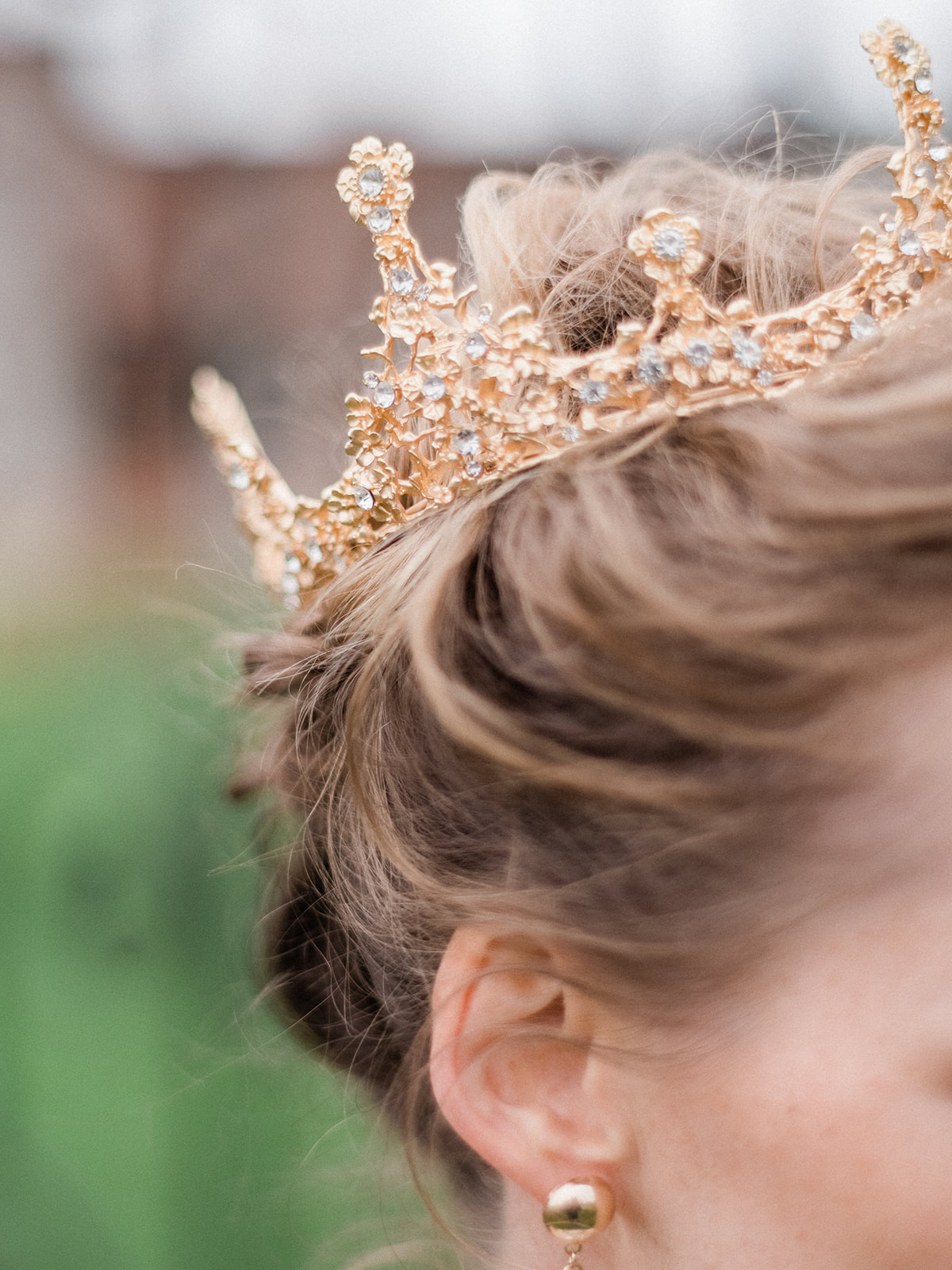 ornate crown for bride at wedding