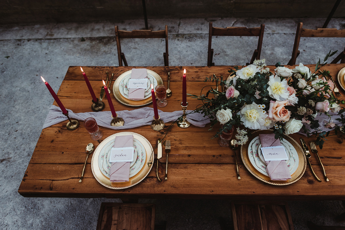 blush and gold table setting ideas