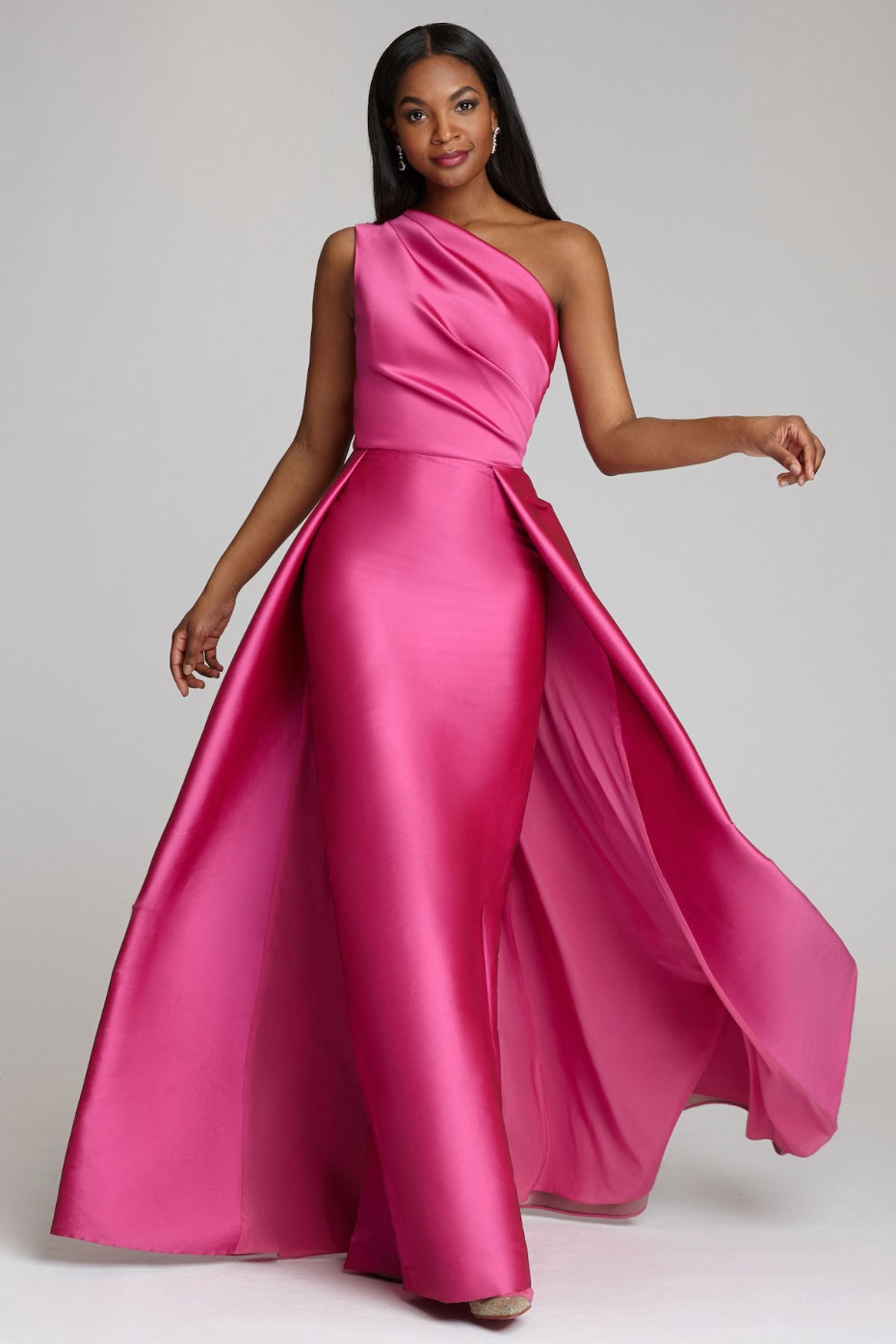 Mesmerizing Mother of the Bride Fashion for Your Scaled-Down Soiree