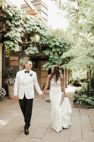 Timeless Black and White Wedding at Alderbrook Resort and Spa
