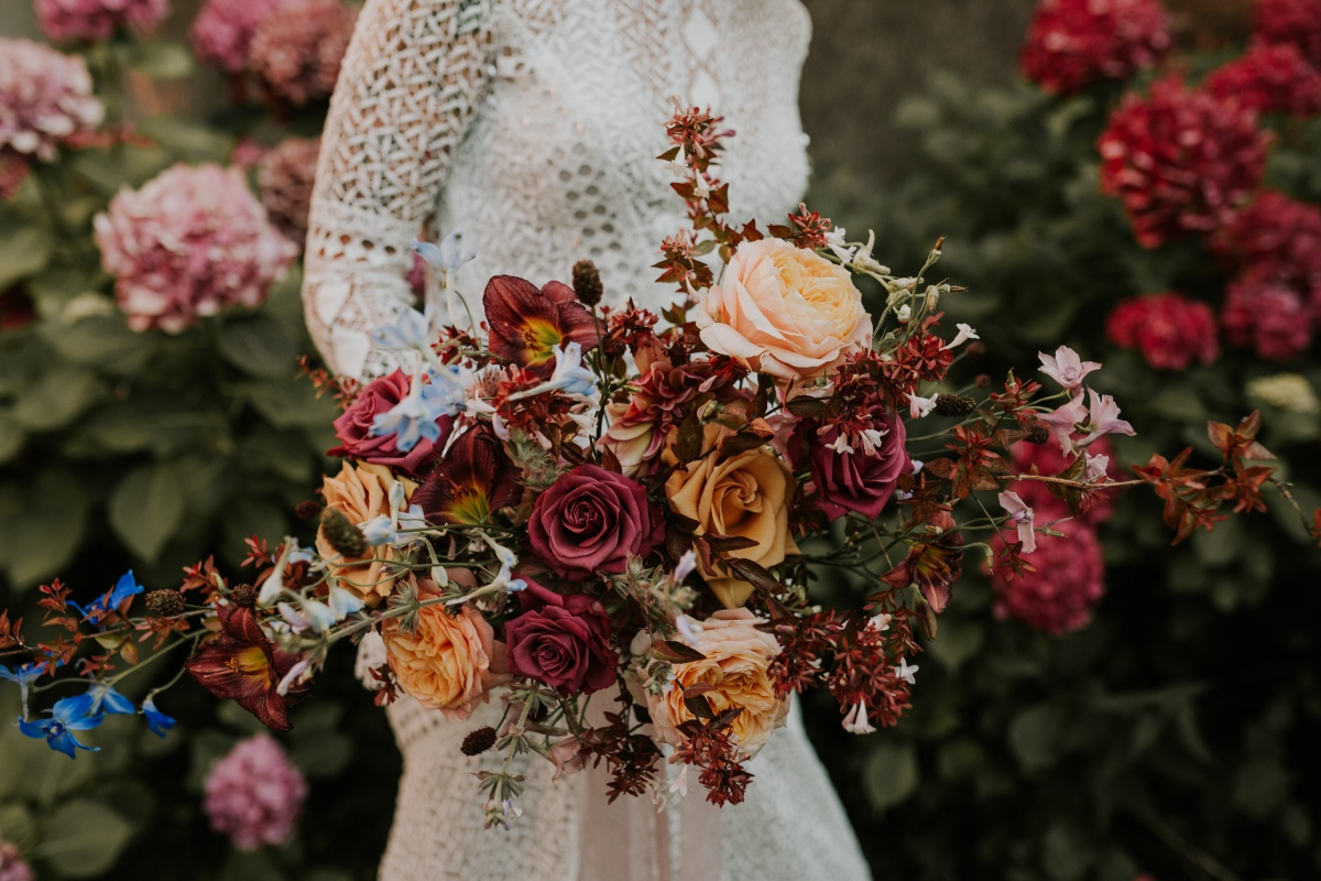 natural wedding florist