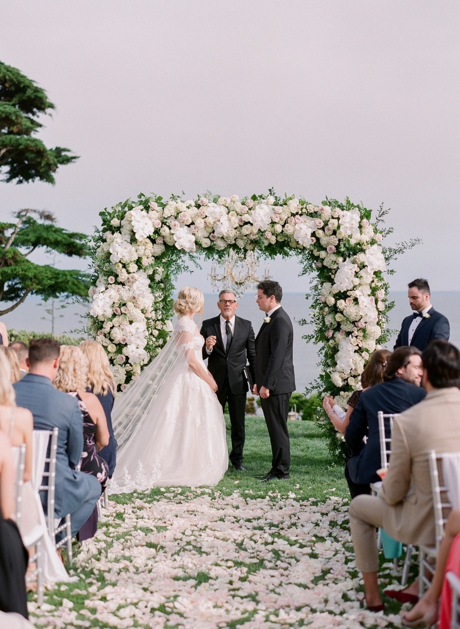Here's What You Need To Know About Customizing Your Wedding Ceremony