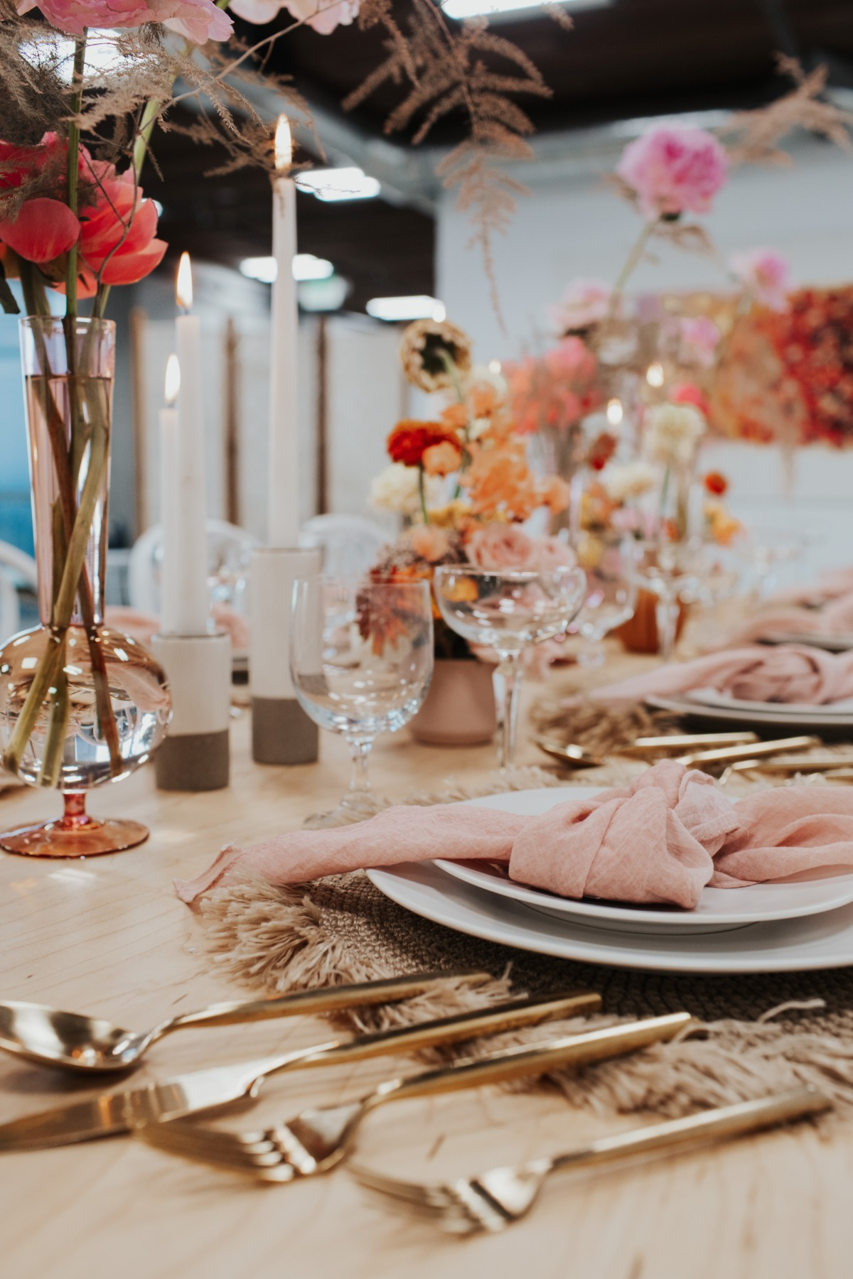 5 Design Tips to Style a Summer Tabletop