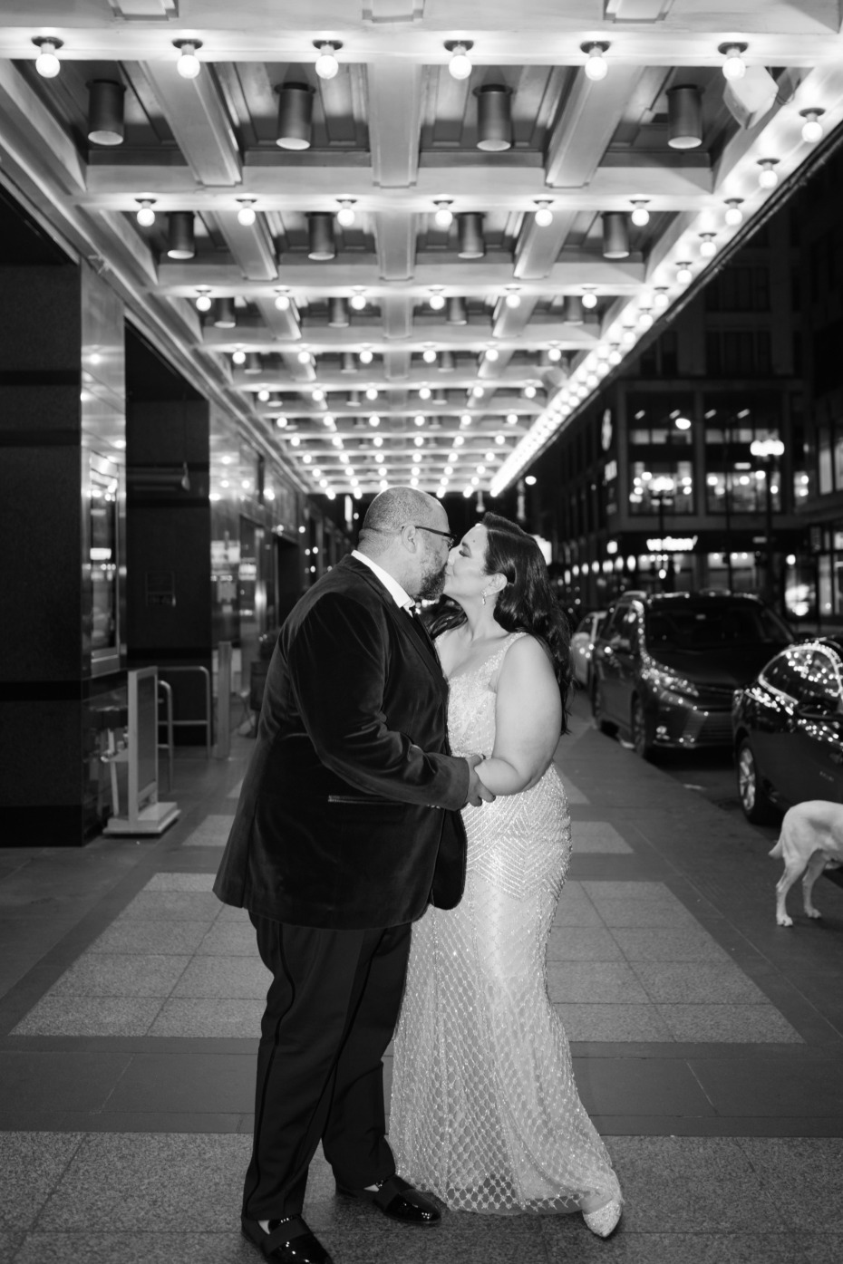 bride and groom walking the streets of Chicago